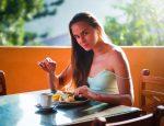 Как убрать жир с живота упражнения для женщин в домашних условиях – Как убрать живот быстро и эффективно — секреты, о которых вы не знали